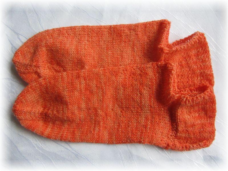 Kleinesbild - Handgestrickte kurze Socken Größe 40/41 ♡ aus handgefärbter Sockenwolle Mohnblüte Orange kaufen