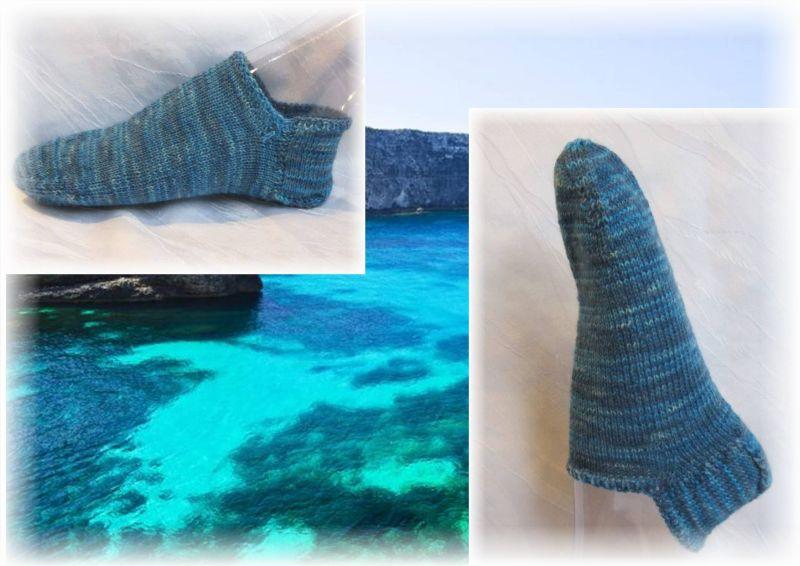 Kleinesbild - Handgestrickte kurze Socken Größe 37/38 ♡ aus handgefärbter Sockenwolle Blaue Südsee kaufen