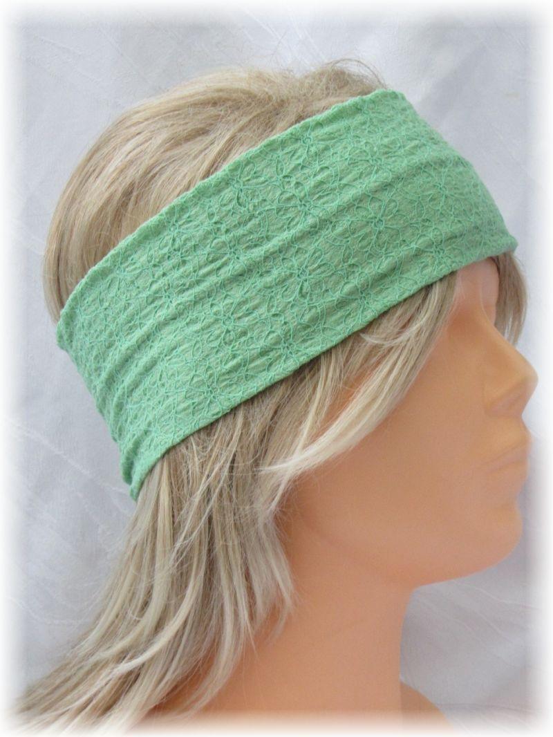 Kleinesbild - Handgefertigtes Stirnband ♥ zugeschnitten und genäht aus leichtem mintgrünen Stoff mit einem schönen Strukturmuster kaufen