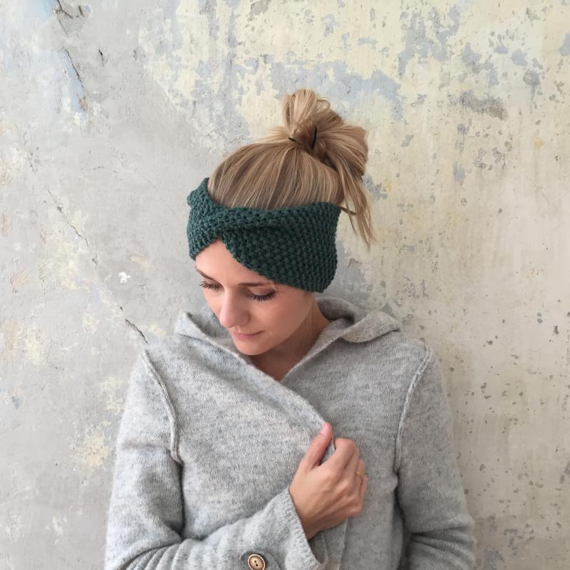Kleinesbild -  Stirnband Modell **MARIE**  tannengrün handgestrickt von zimtblüte / Farbwahl