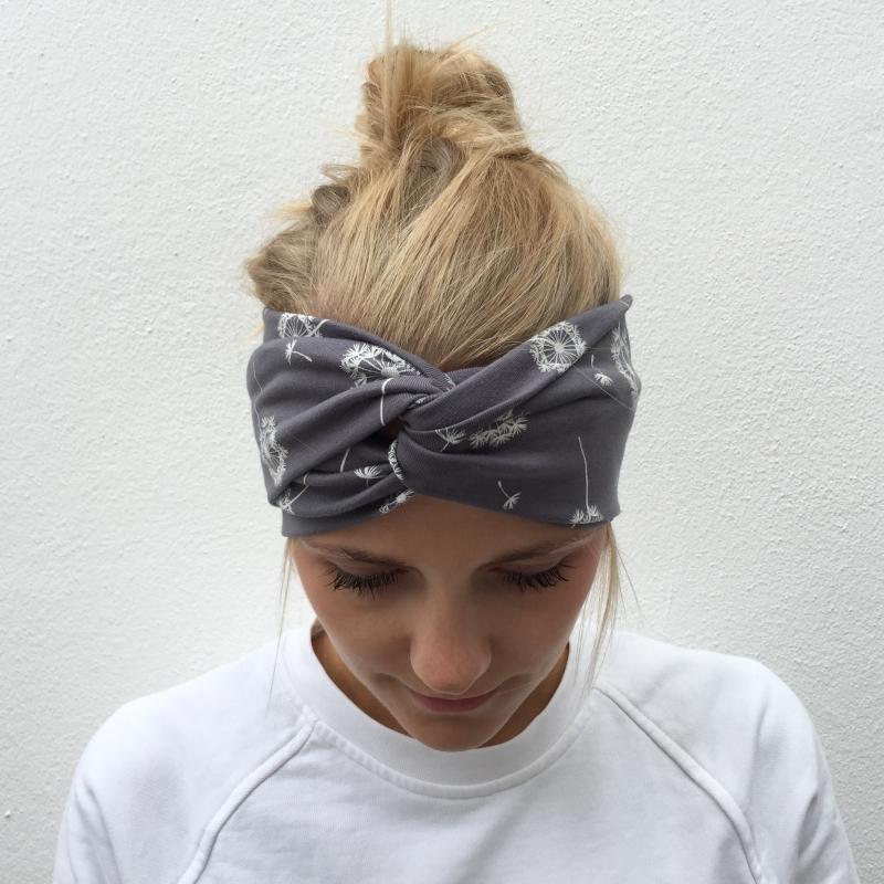- Haarband Stirnband  * PUSTEBLUME *  Turbanstyle grau Handarbeit von zimtbluete   - Haarband Stirnband  * PUSTEBLUME *  Turbanstyle grau Handarbeit von zimtbluete