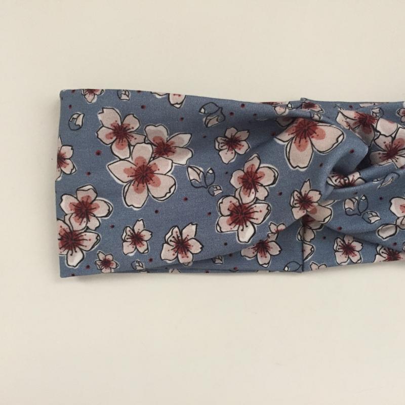 Kleinesbild - ! SALE ! Turban Stirnband Modell KIRSCHBLÜTE*  auf blau Handarbeit von zimtblüte  Haarband