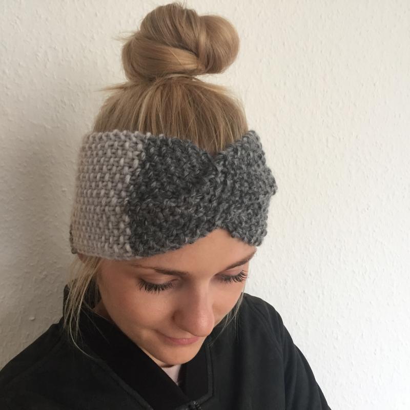 Kleinesbild - Stirnband * MARIE *  Farbverlaufsgarn grau und beige handgestrickt von zimtblüte