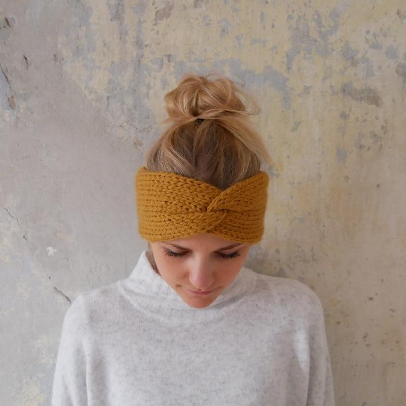 Kleinesbild -  Stirnband Modell CARO double Wolle aus Alpaka von zimtblüte senfgelb handgestrickt