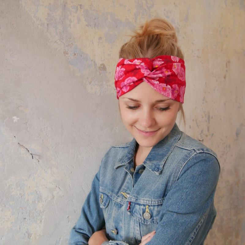 Kleinesbild - Stirnband mit Twist  Modell ROSAROT handmade Turban Haarband mit Rosen von zimtbluete