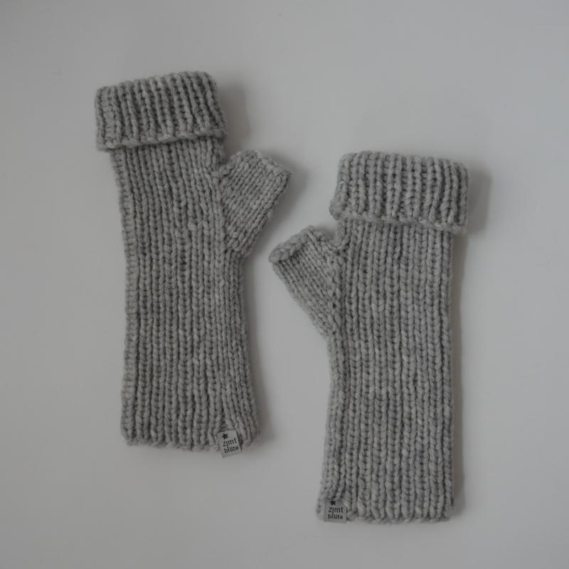 - UMSCHLAGSTULPEN mit Kaschmir handgestrickt  von zimtblüte grau und schwarz - UMSCHLAGSTULPEN mit Kaschmir handgestrickt  von zimtblüte grau und schwarz