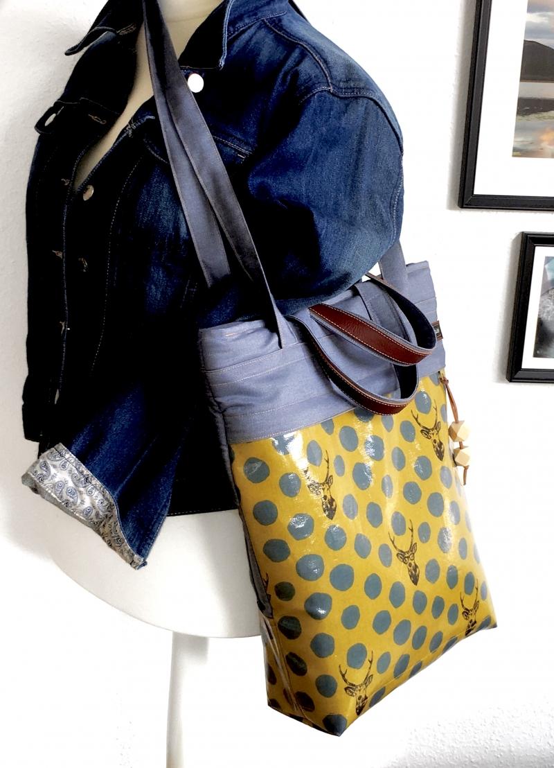 Kleinesbild -  ★ Rucksacktasche ★ in heller Jeansoptik und japanischen Wachstuch