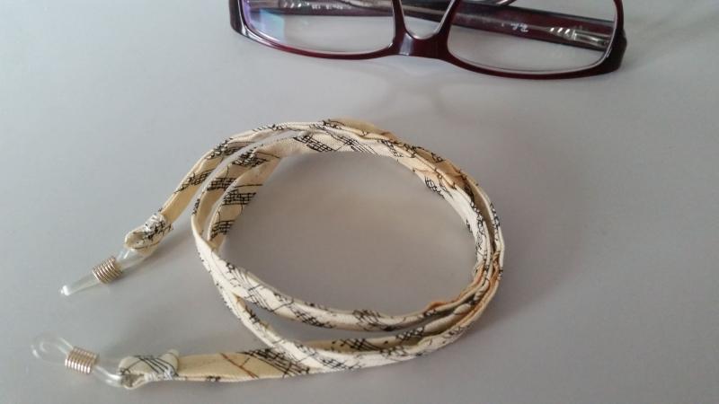 - beiges Brillenband aus Notenstoff, für Sie oder Ihn - beiges Brillenband aus Notenstoff, für Sie oder Ihn