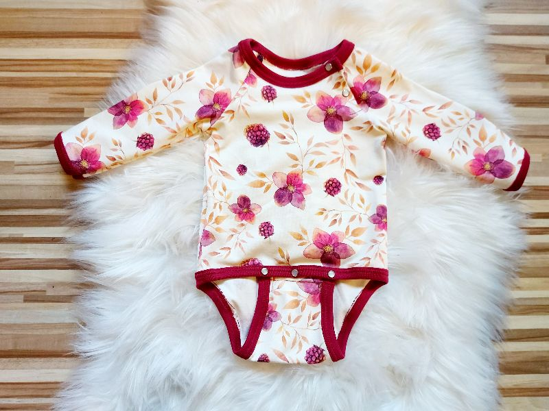 - Body Baby, Himbeere, bordeaux, Lang- oder Kurzarm, Gr. 50-98 - Body Baby, Himbeere, bordeaux, Lang- oder Kurzarm, Gr. 50-98