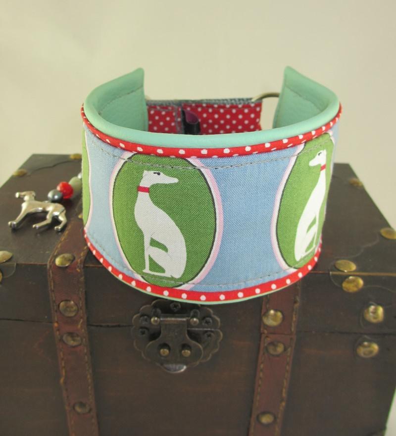 Kleinesbild - Windhundhalsband  Windspiel grün Hundehalsband Halsband Windund wahlweise Zugstopp Verschluss oder Klickverschluss Kunststoff oder Metall gepolstert mit Kunstleder Polsterung