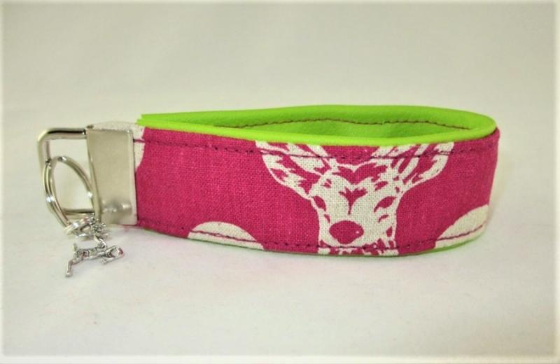 Kleinesbild - Schlüsselanhänger Schlüsselband Hirsch pink/grün Oktoberfest Anhänger Band für Schlüssel für Frauen für Mädchen für Autoschlüssel mit Kunstleder unterlegt
