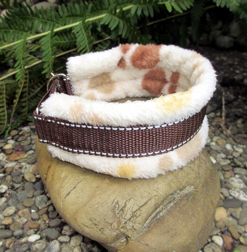 Kleinesbild - Hundehalsband Cappuccino Halsband Hund Windhund wärmend, reflektierend und weich gepolstert wahlweise mit Klickverschluss Kunststoff oder Metall oder Zugstopp Verschluss