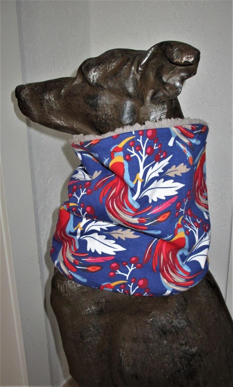 Kleinesbild - Hundeloop Paradiesvogel Hundeschal Bandana Loop Schal für Hunde weich wärmend  gepolstert mit Polsterung aus Teddy Fleece