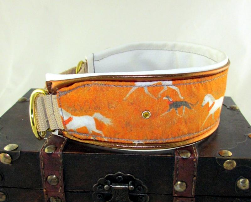 Kleinesbild - Windhundhalsband Sahara Windhund Collar Hundehalsband Halsband breit Zugstopp Verschluss oder Klickverschluss Kunststoff oder Metall gepolstert Kunstlederpolsterung