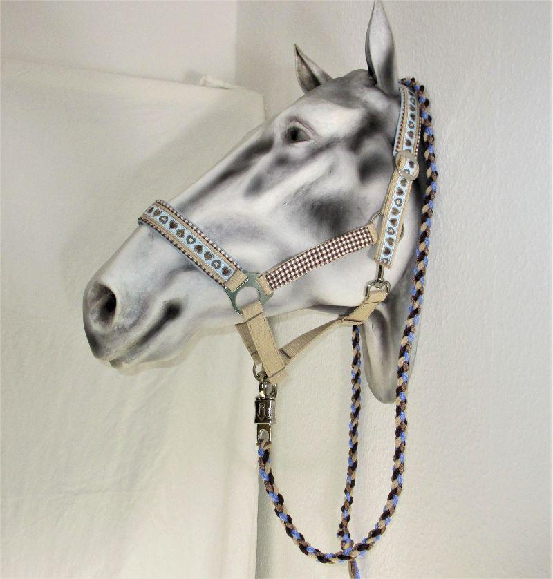 Kleinesbild - Pferdehalfter Herzenspferd handgefertigtes Stallhalfter Reithalfter Halfter für Pferde Größe Wamblut Pony Vollblut mit Führstrick