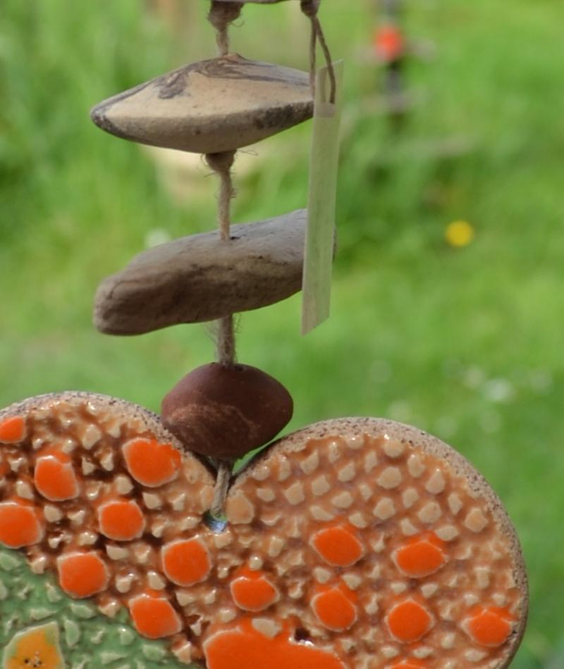 Kleinesbild - 17-074 Glücksfänger Herz, Windspiel, Wand- / Fensterschmuck von Keramik-Kreativ