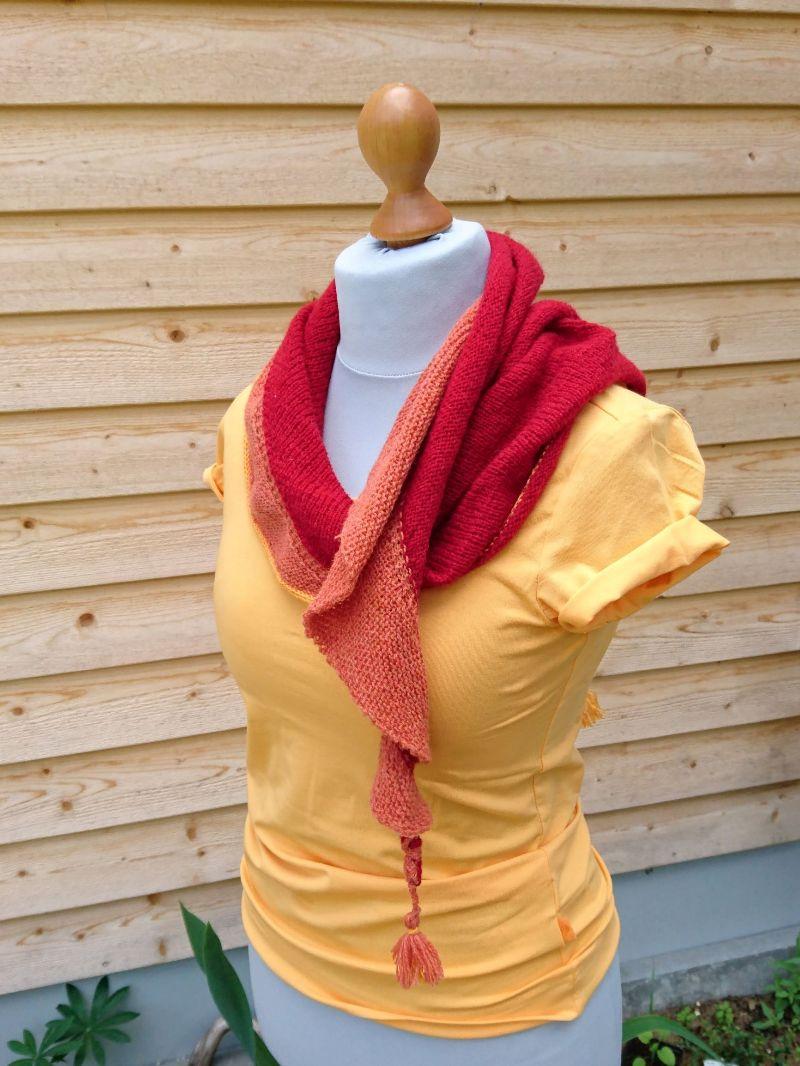 Kleinesbild - Colour me in - sommerliches Stricktuch in rot und orange GOTS