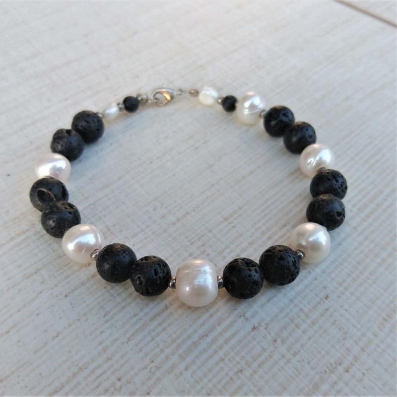 -  Armband * Perlenarmband * Perlen * Lava * Perlmutt * schwarz * Ying und Yang -  Armband * Perlenarmband * Perlen * Lava * Perlmutt * schwarz * Ying und Yang