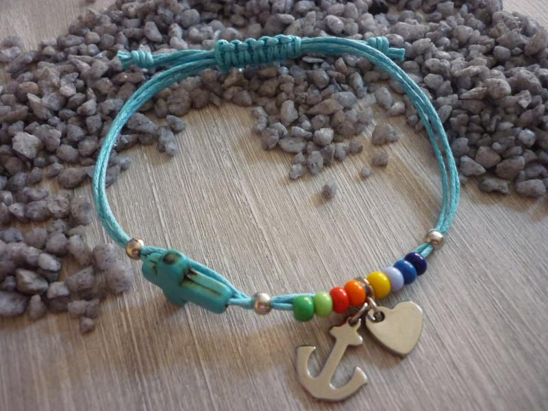 - Armband
