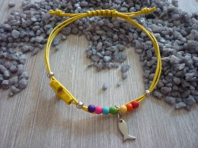 - Handgearbeitetes buntes Armband mit Kreuz und Fisch - Handgearbeitetes buntes Armband mit Kreuz und Fisch