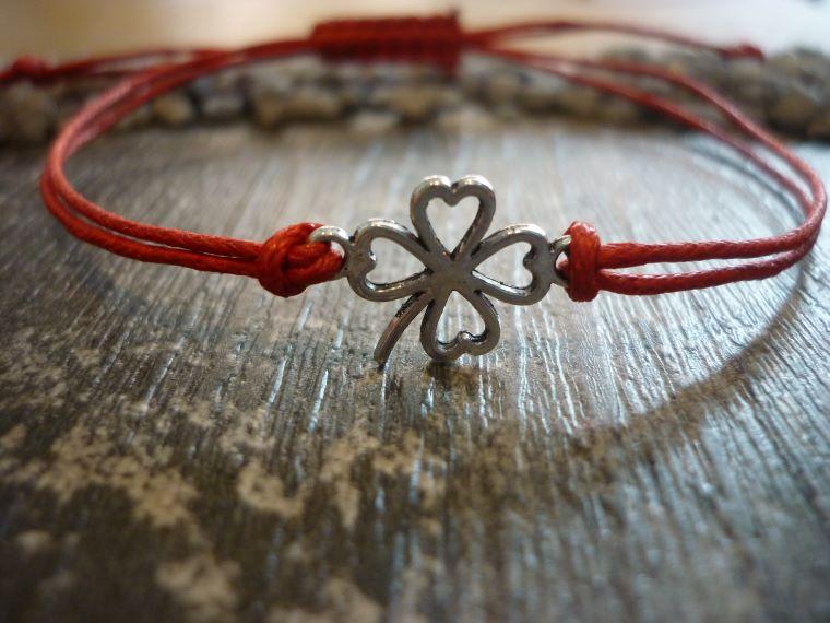 Kleinesbild - Armband mit einem Kleeblatt als Zwischenstück / Silvester / Neujahr