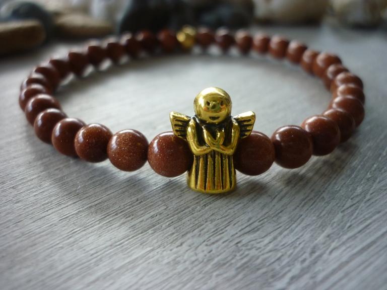 - Handgemachtes Armband aus Goldflussperlen mit einem Schutzengel - Handgemachtes Armband aus Goldflussperlen mit einem Schutzengel