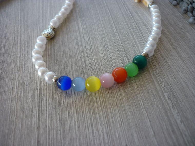 Kleinesbild - Kinderkette zur Kommunion / Konfirmation mit Howlithkreuz, Metallfisch und bunten Perlen