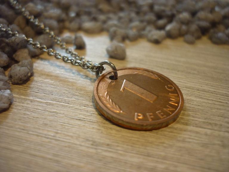 Kleinesbild - Edelstahlkette mit Pfennig von 2001  / Vintage  Glücksbringer