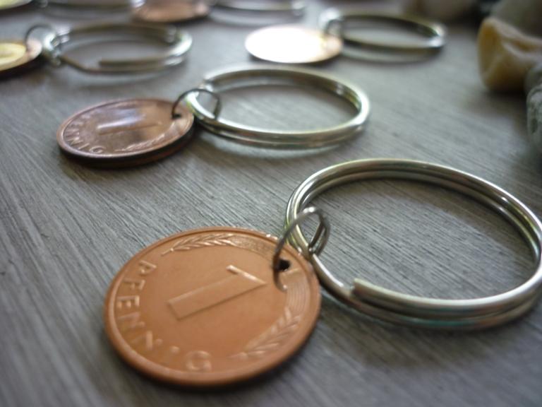 Kleinesbild - 6 Schlüsselanhänger / Glücksbringer   Glückspfennig /  Vintage / Gastgeschenke / Silvesterdeko