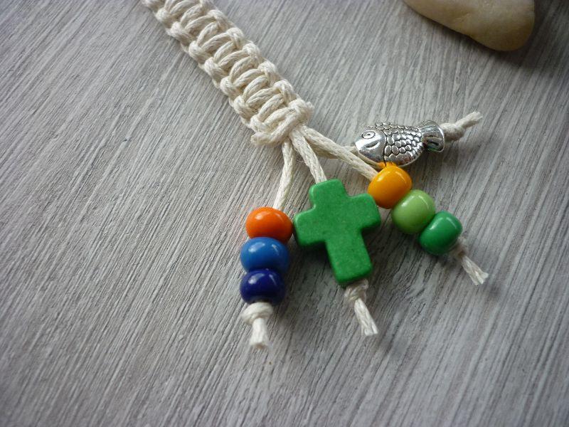 Kleinesbild - Handgearbeiteter Schlüsselanhänger zur Kommunion / Konfirmation mit Kreuz und Fisch