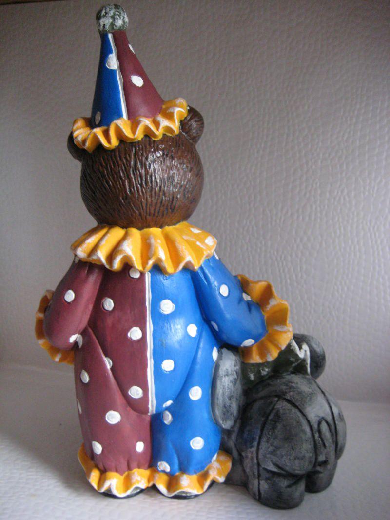 Kleinesbild - Keramikbär Bobo mit Elefant.Keramikbär