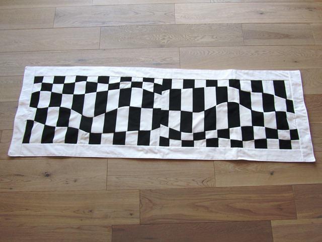 Tischläufer Schwarz Weiß wohnen : tischläufer schwarz - weiß in patchworkstil, baumwollstoff