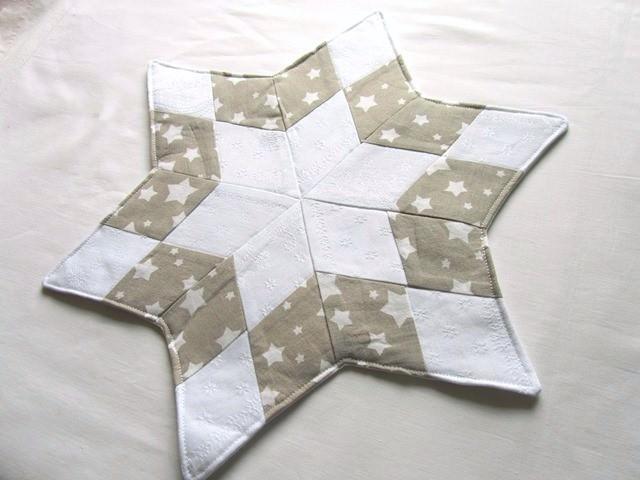 Kleinesbild - Stern, Weihnachtsstern weiß - beige, Tischläufer, Patchwork, Handmade