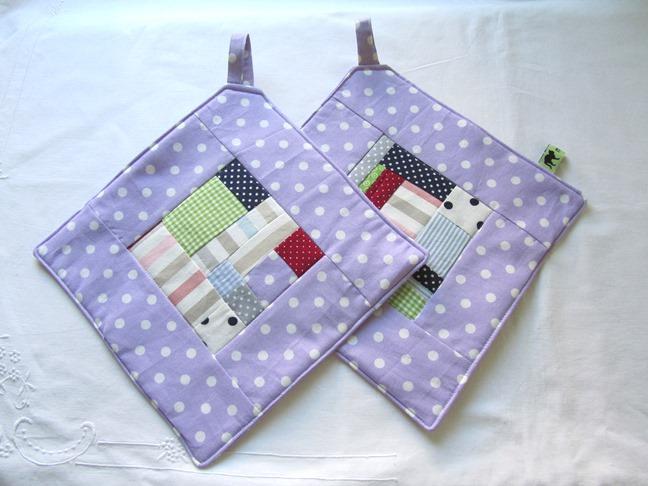 - Topflappen - Set lila Quadrate, freie Patchworkarbeit, handmade - Topflappen - Set lila Quadrate, freie Patchworkarbeit, handmade