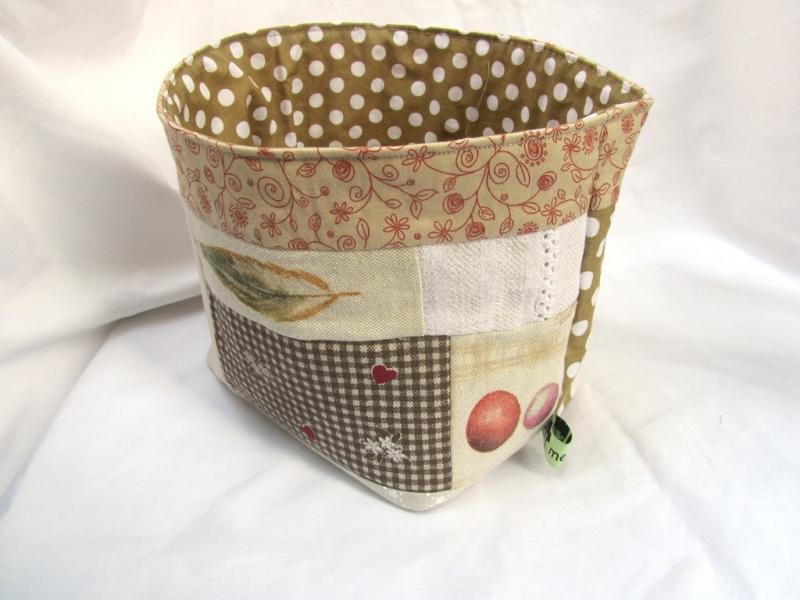 Kleinesbild - Utensilo - Brotkorb Hahn mit Ei,  handmade, Stoffkorb, Frühstückskorb,
