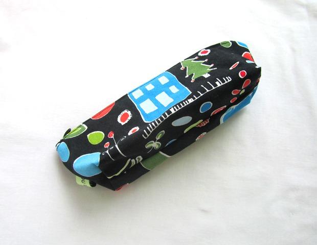 Kleinesbild - Universaltäschchen,Taschenorganizer schwarz mit bunten Motiven,handmade