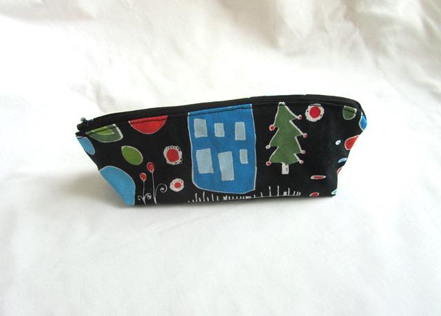 - Universaltäschchen,Taschenorganizer schwarz mit bunten Motiven,handmade - Universaltäschchen,Taschenorganizer schwarz mit bunten Motiven,handmade
