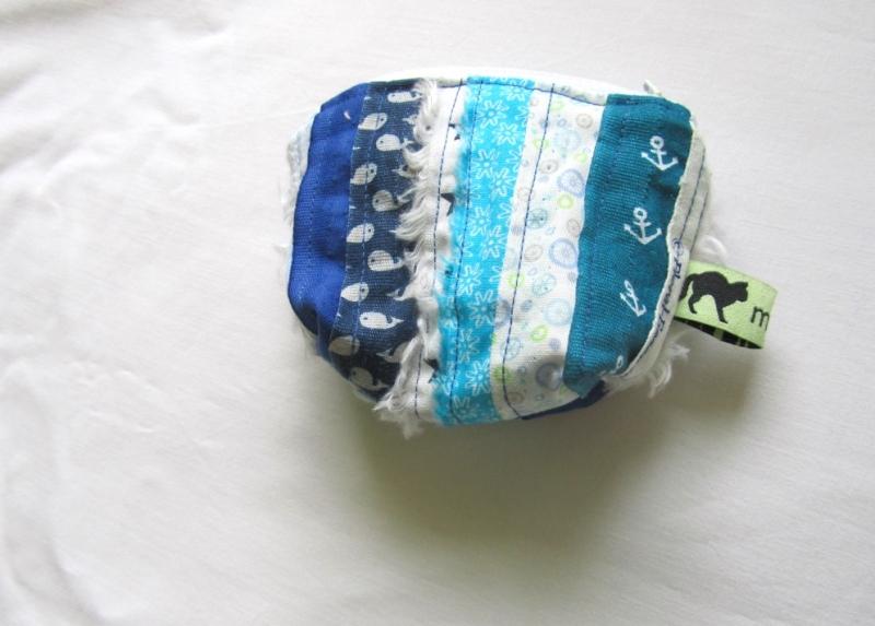 Kleinesbild - Mini - Universaltäschchen, Taschenorganizer, Schnullertasche, blaue Webkanten, selbstgenäht