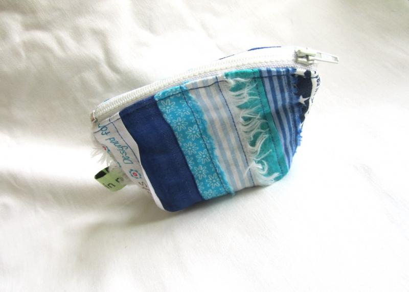 - Mini - Universaltäschchen, Taschenorganizer, Schnullertasche, blaue Webkanten, selbstgenäht - Mini - Universaltäschchen, Taschenorganizer, Schnullertasche, blaue Webkanten, selbstgenäht