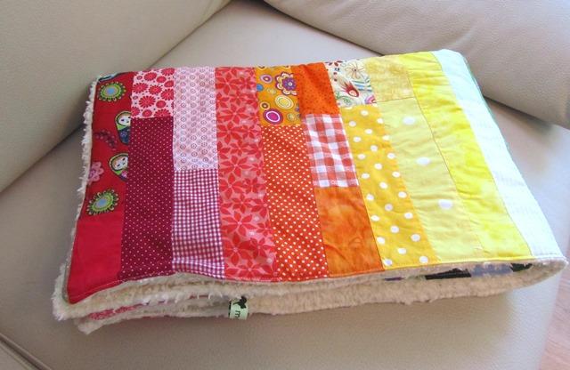 Kleinesbild - Babydecke, Kuscheldecke Regenbogen, handemade, Patchworkdecke