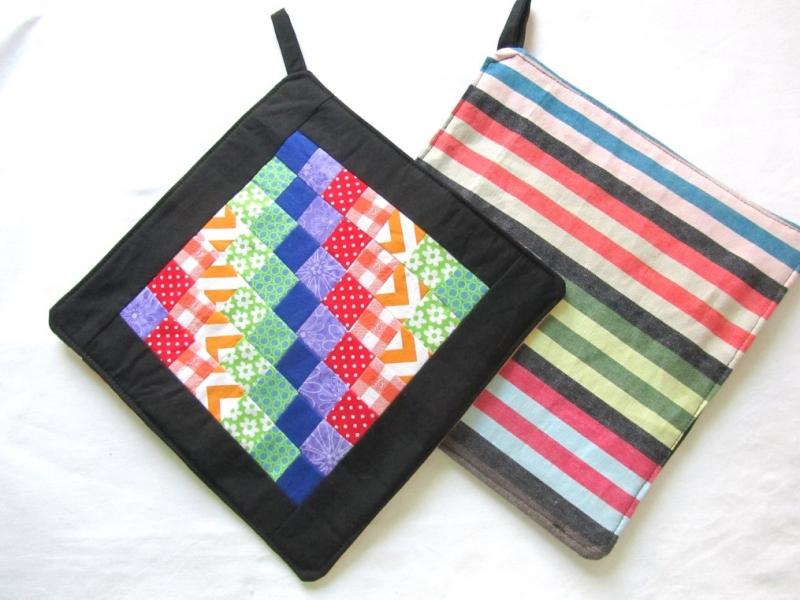 Kleinesbild - Topflappen , kunterbunt, Treppe,  Patchwork, handmade,