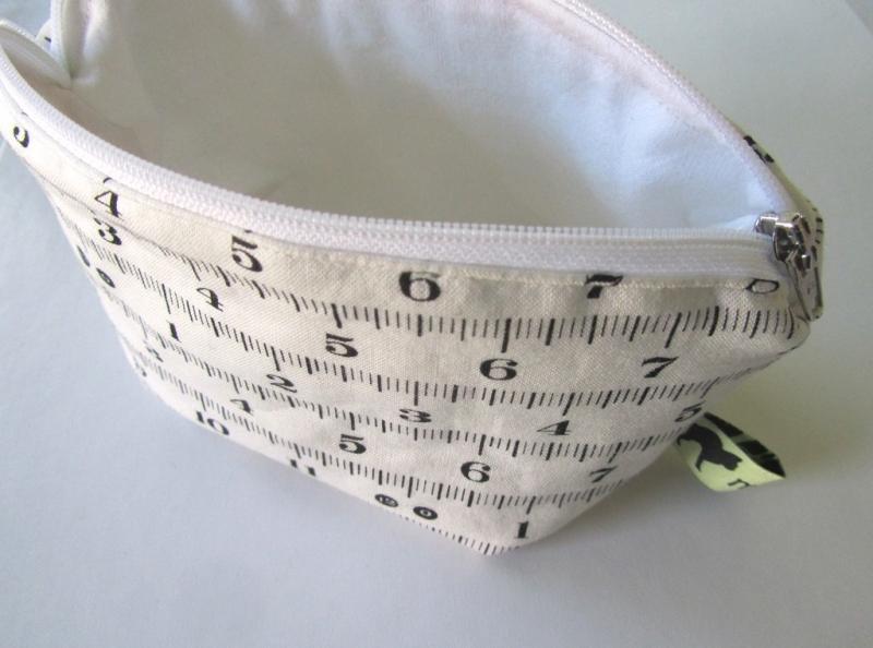 Kleinesbild -  Universaltäschchen, Taschenorganizer, Schnullertasche, Maßband, selbstgenäht