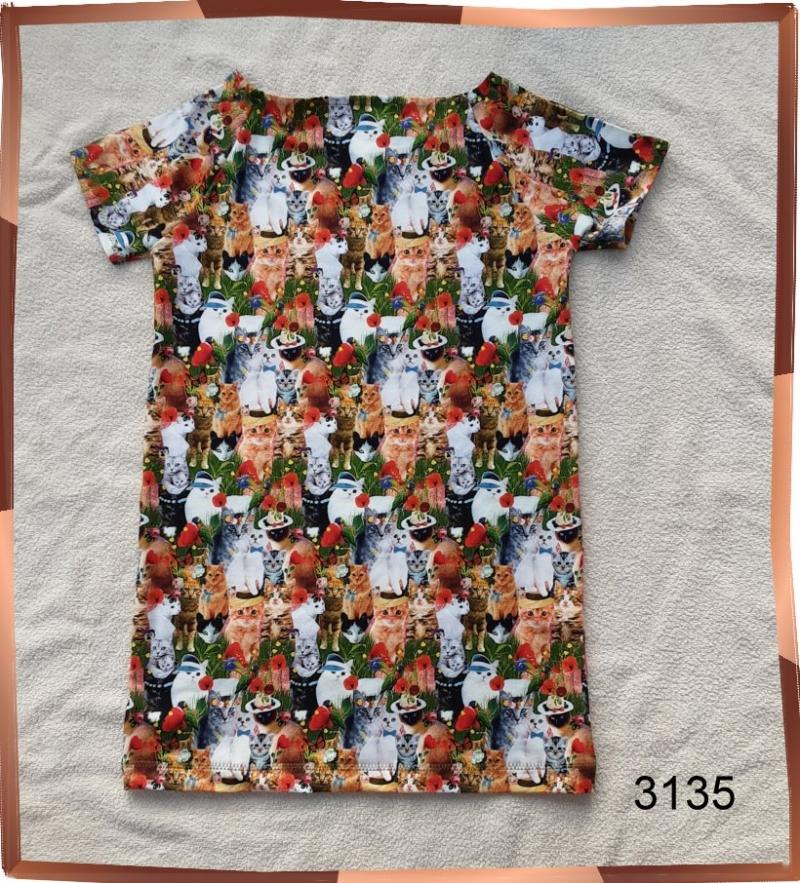 Kleinesbild - Mädchenkleid, Longshirt mit niedlichen Kätzchen im 3-D Aufdruck!