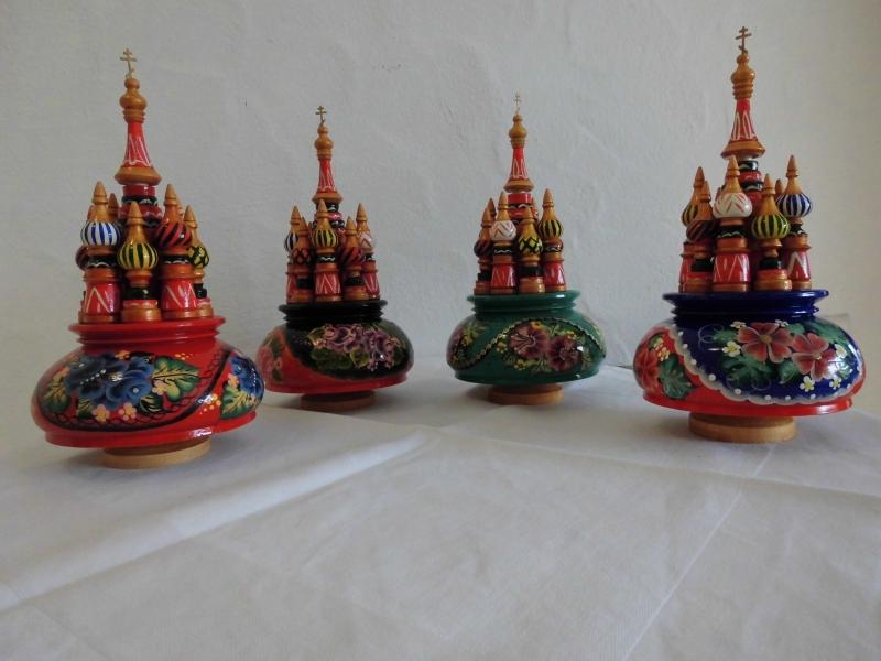 Kleinesbild - Handgearbeitete Russische Spieluhr, handbemalt, Design Kreml, Holz, 22 cm hoch, Unikat, Melodie