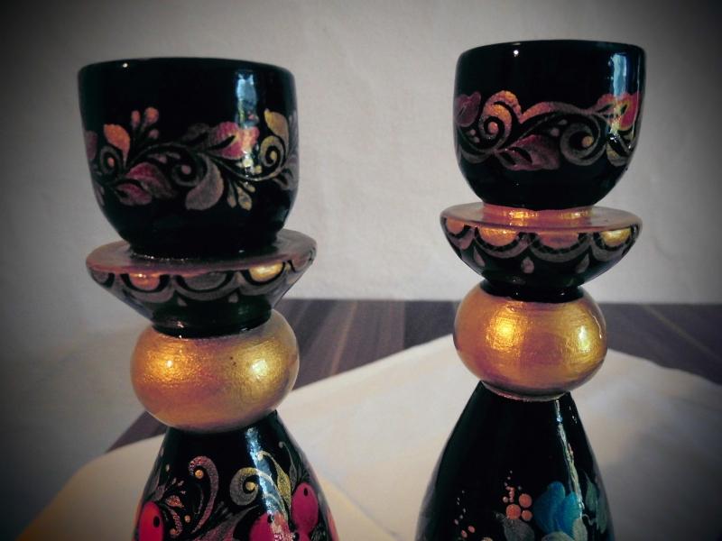 Kleinesbild - Handgearbeiteter Kerzenhalter aus Holz, Unikat, 15 cm hoch