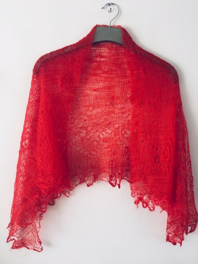 Kleinesbild - Handgearbeiteter Orenburg-Schal aus Ziegenwolle, Farbe: scarlet-rot, Nr. 2, 120x120 cm / Unikat
