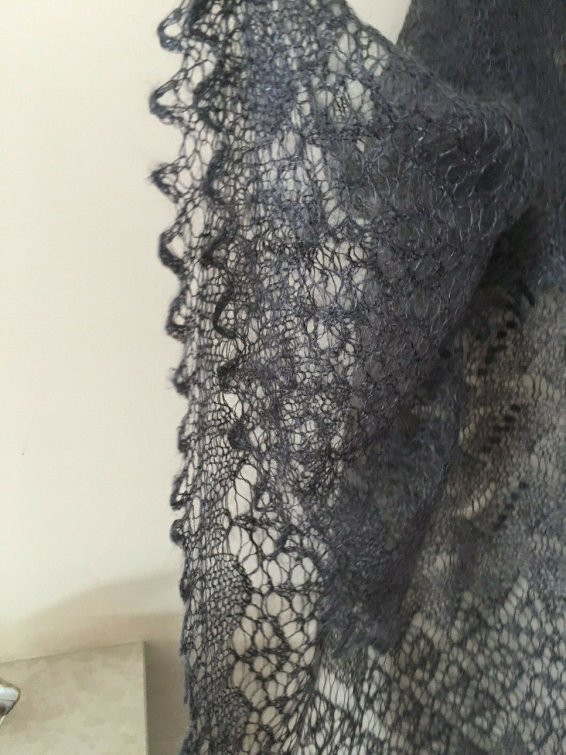 Kleinesbild - Handgestrickter Luxus-Orenburg-Schal aus Ziegenwolle mit 20% Seide, Farbe: grau, 140 x 140                           cm