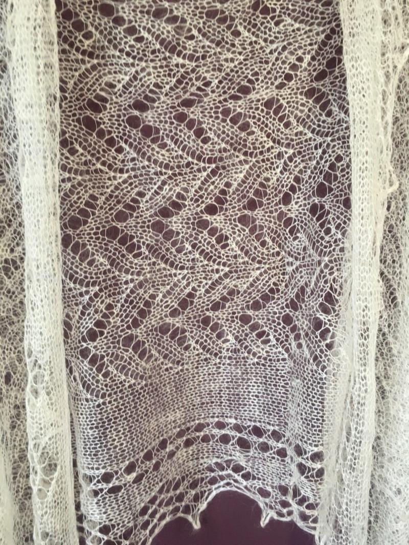 Kleinesbild - Handgearbeiteter Orenburg-Schal aus Ziegenwolle, weiss, 70 x 170 cm / Unikat