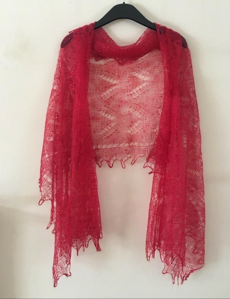 - Handgearbeiteter Orenburg-Schal aus Ziegenwolle, Farbe: rot, 70 x 170 cm / Unikat    - Handgearbeiteter Orenburg-Schal aus Ziegenwolle, Farbe: rot, 70 x 170 cm / Unikat