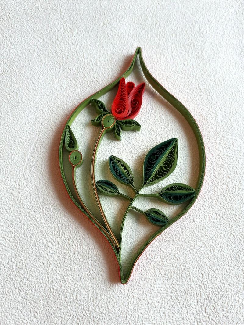 """- Fensterbild """"Rosenornament"""",  rot,  aus  Papier zum Aufhängen, Handarbeit - Fensterbild """"Rosenornament"""",  rot,  aus  Papier zum Aufhängen, Handarbeit"""